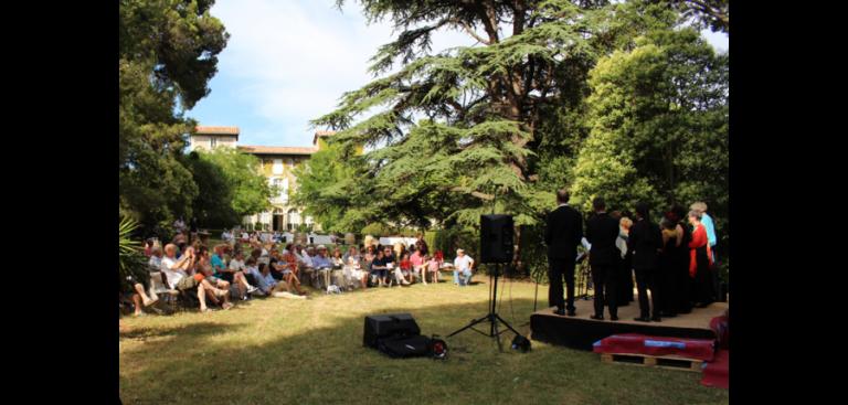 Concert dans le parc du Château Guilhem